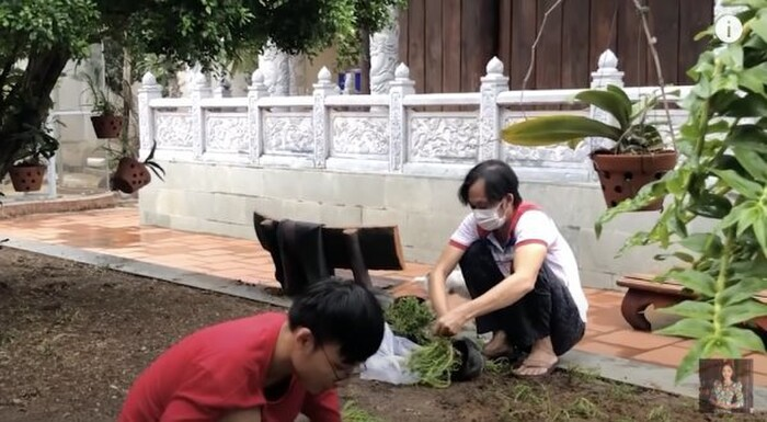 Hoài Linh xuất hiện với dáng vẻ gầy gò giữa lúc vướng ồn ào từ thiện-3