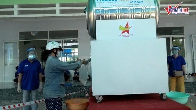 ATM gạo trở lại phục vụ người dân trong thời kỳ giãn cách xã hội