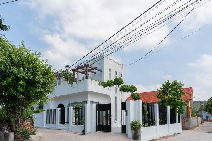 Nữ Việt kiều Úc xây biệt thự 5 tỷ tặng cha mẹ dưỡng già-1