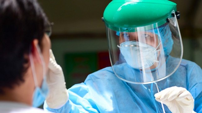 Tất cả người nhập viện ở TP.HCM phải xét nghiệm Covid-19