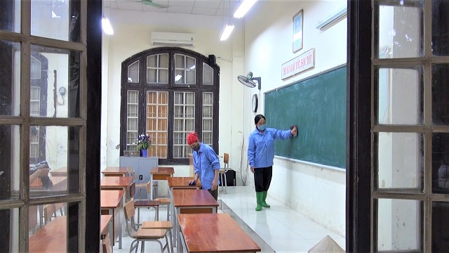 Trường thi tất bật chuẩn bị đón hơn 90 nghìn sĩ tử 'vượt vũ môn' vào lớp 10
