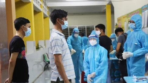 TP.HCM: Phát hiện 5 trường hợp dương tính SARS-CoV-2 sống ở tầng 6 của một khu nhà trọ tại quận Tân Bình