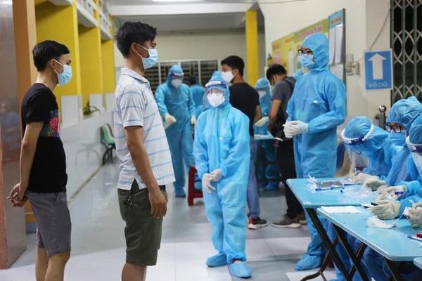 TP.HCM: Phát hiện 5 trường hợp dương tính SARS-CoV-2 sống ở tầng 6 của một khu nhà trọ tại quận Tân Bình-1