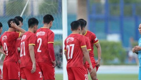 Bộ Y tế yêu cầu không tụ tập xem trận đấu Tuyển Việt Nam - Indonesia tối nay