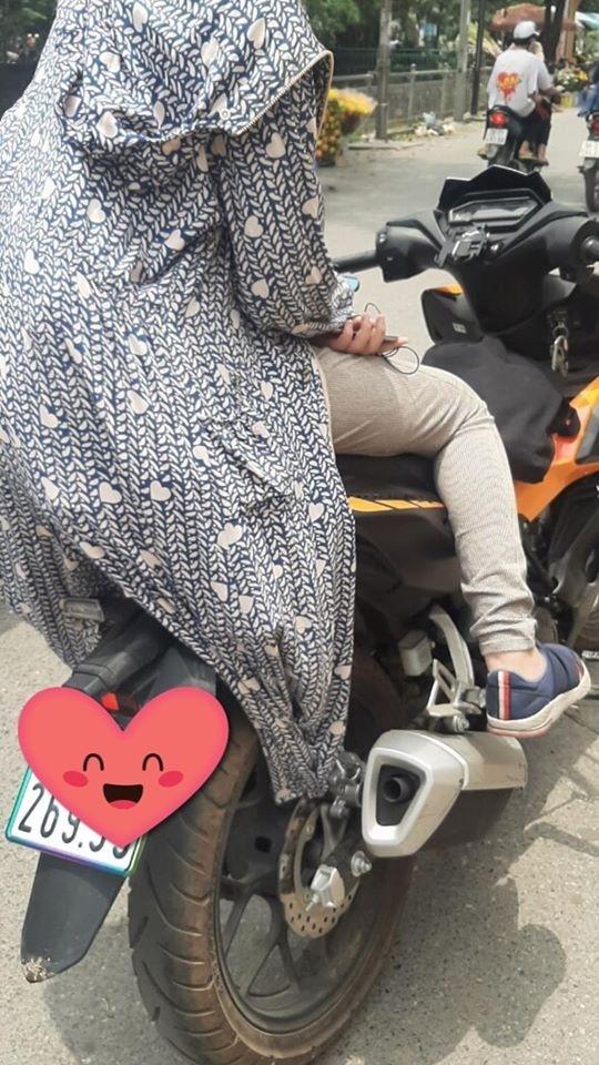 Mặc áo chống nắng đi xe máy, người phụ nữ mang bầu gặp tai nạn kinh hoàng: Lời cảnh tỉnh cho chị em mỗi khi ra đường vào mùa hè-4