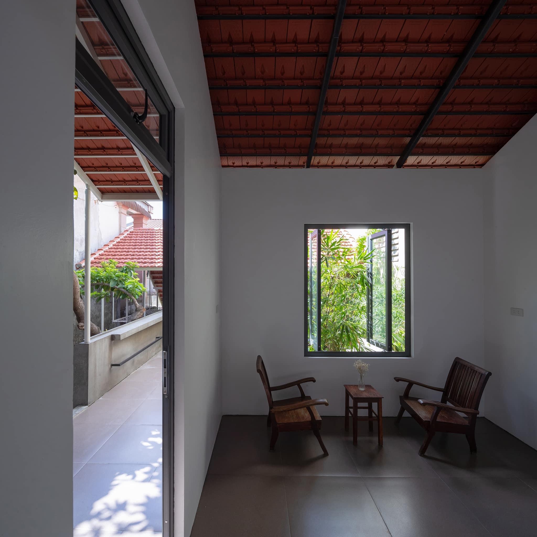 Ngôi nhà trát xi măng, xây hết 800 triệu đồng của nhiếp ảnh gia Nghệ An-3