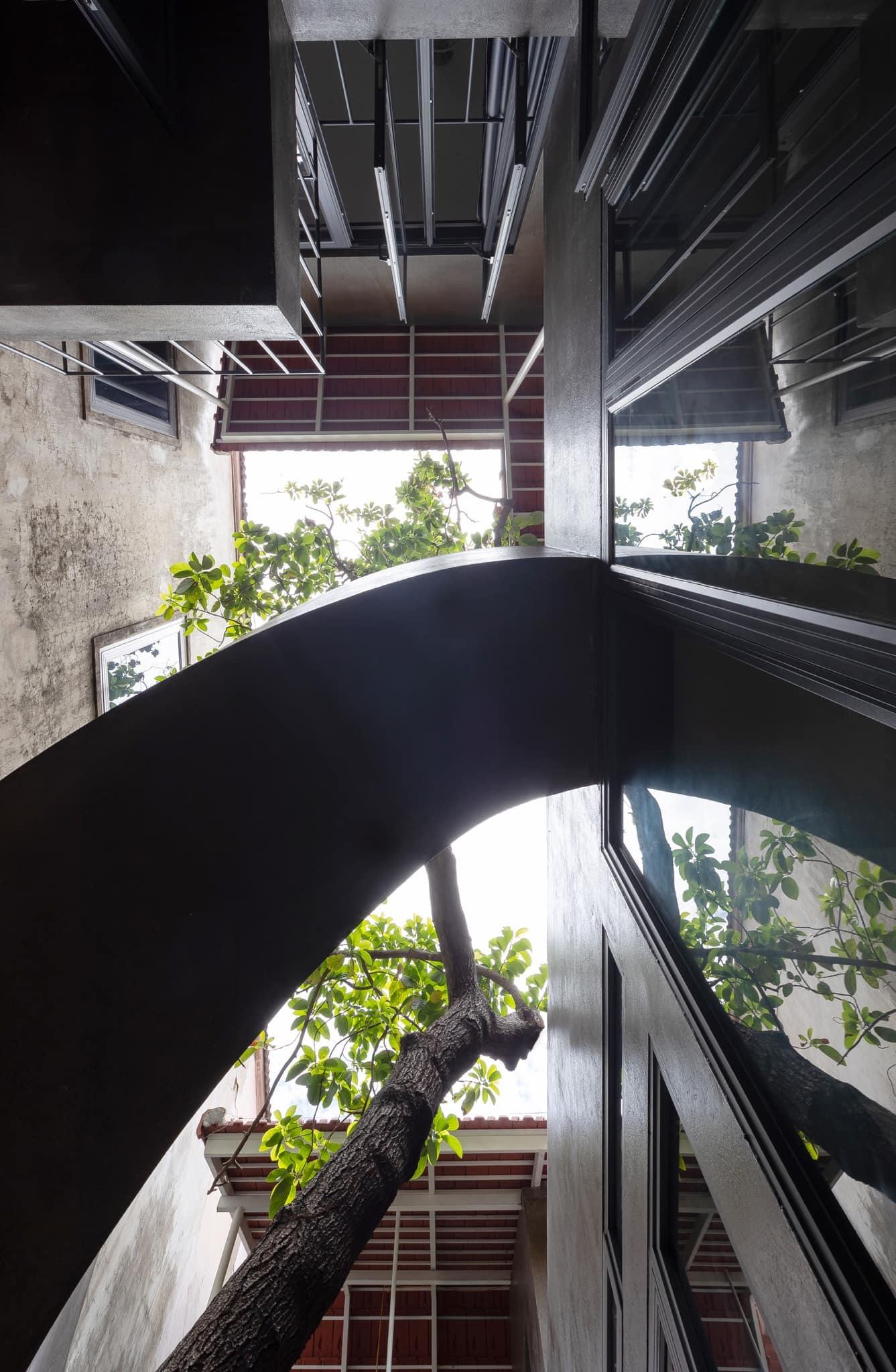 Ngôi nhà trát xi măng, xây hết 800 triệu đồng của nhiếp ảnh gia Nghệ An-9