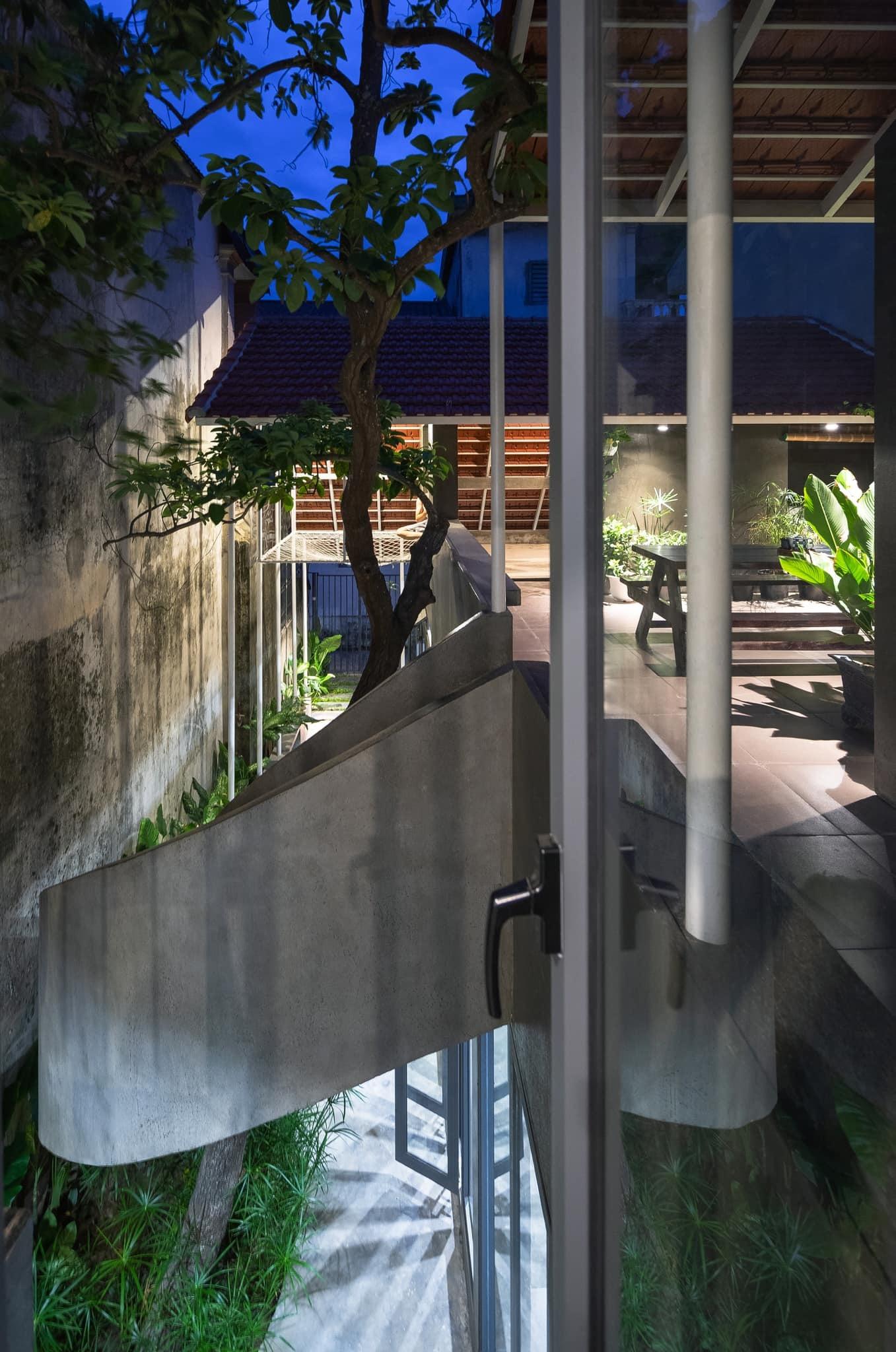 Ngôi nhà trát xi măng, xây hết 800 triệu đồng của nhiếp ảnh gia Nghệ An-10