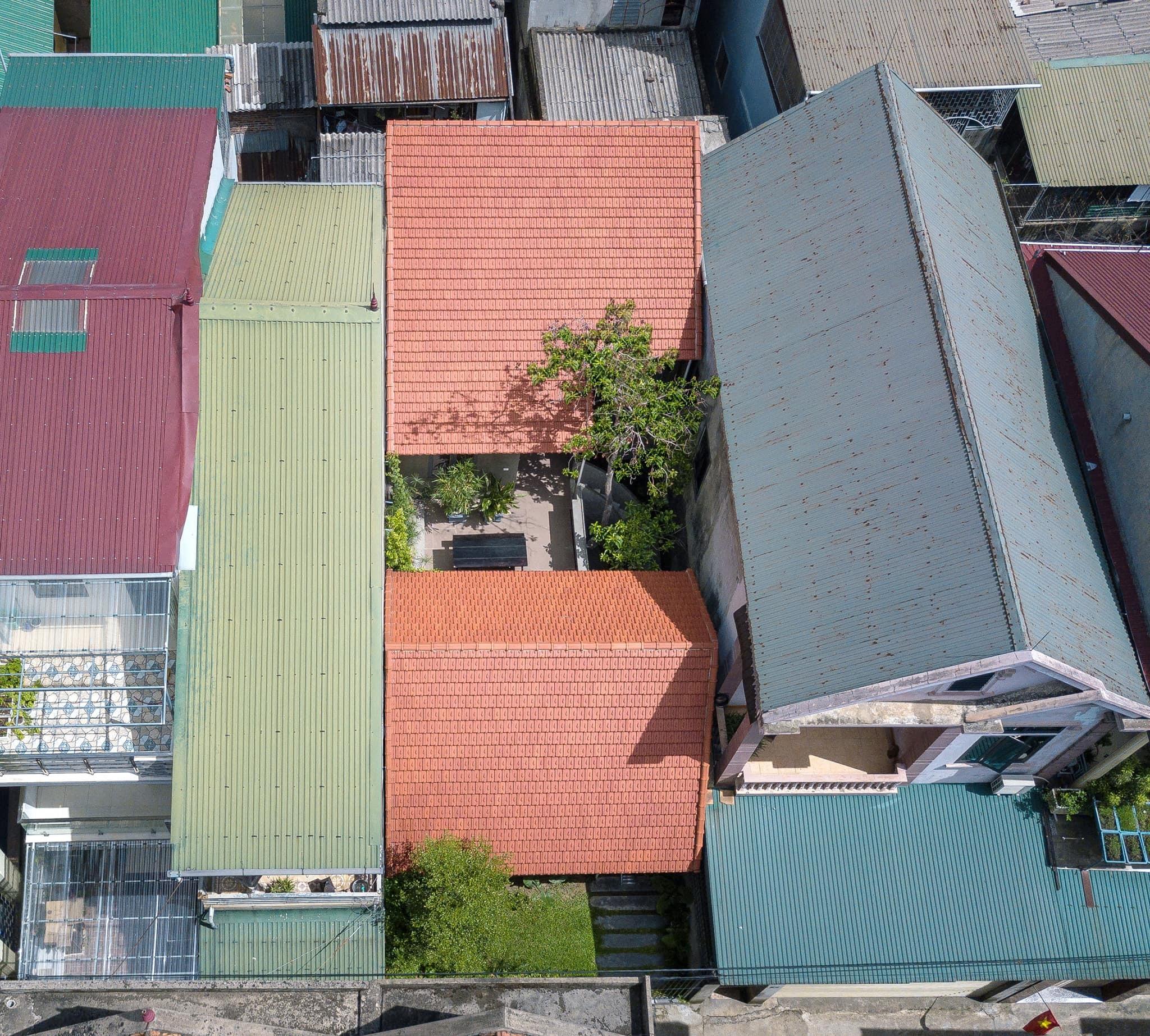 Ngôi nhà trát xi măng, xây hết 800 triệu đồng của nhiếp ảnh gia Nghệ An-16