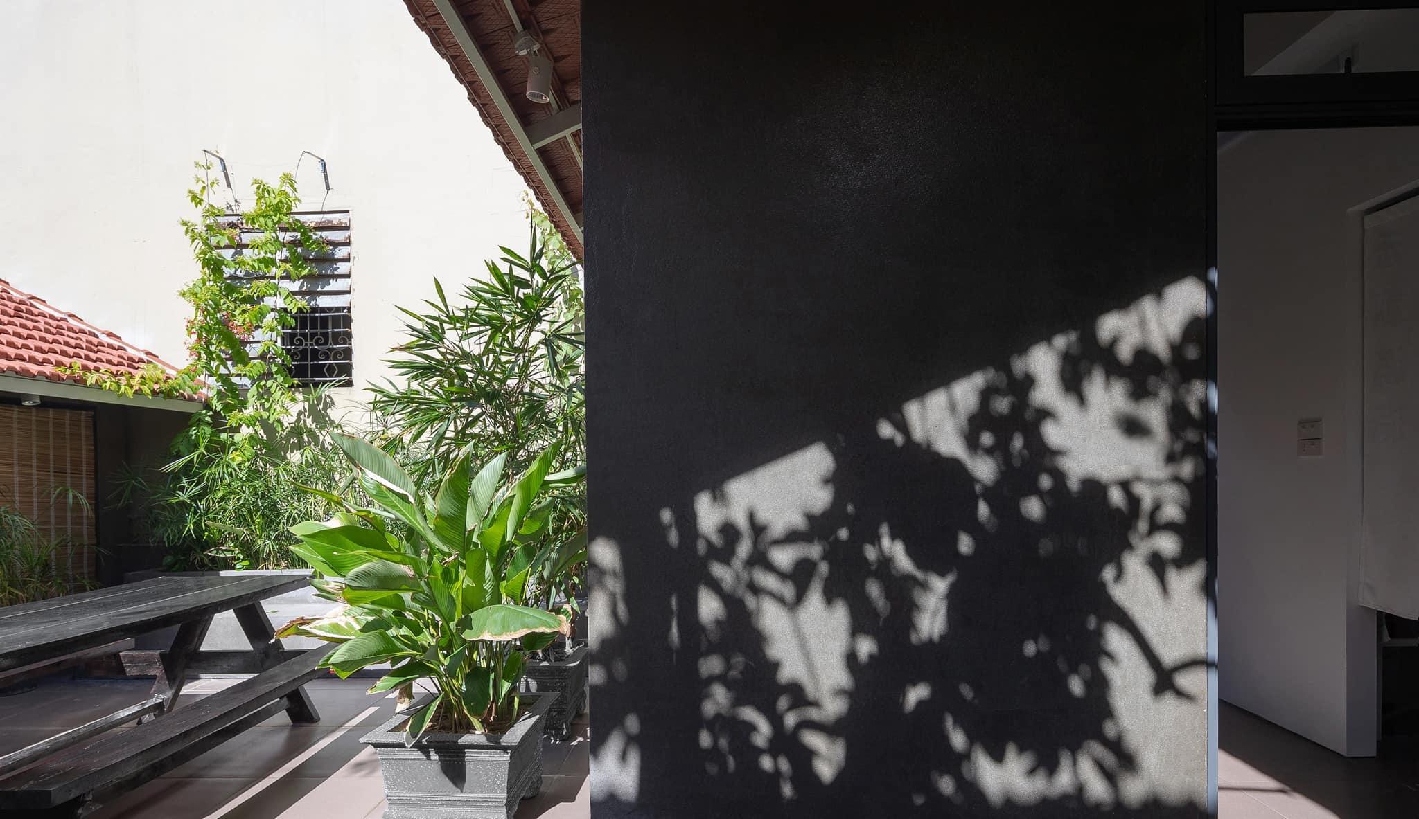 Ngôi nhà trát xi măng, xây hết 800 triệu đồng của nhiếp ảnh gia Nghệ An-17