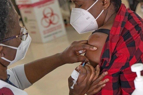 Phát hiện mới: SARS-CoV-2 đột biến hơn 32 lần trong 216 ngày trú ngụ trong cơ thể 1 bệnh nhân HIV-1