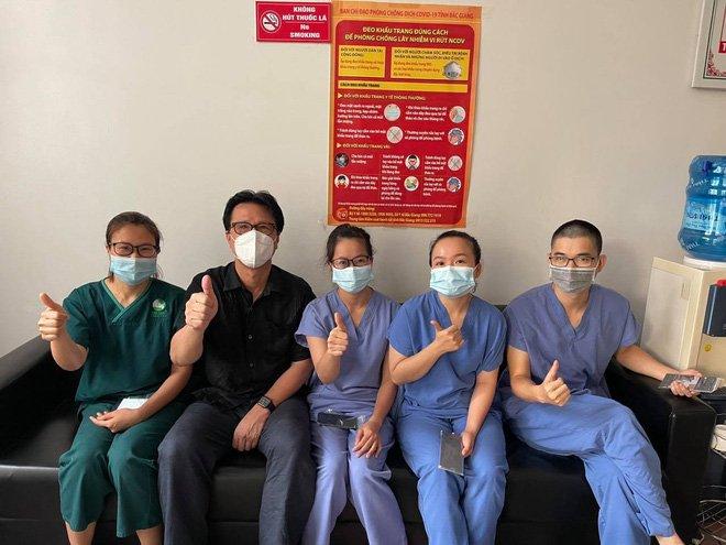 Bác chủ tịch trốn vợ đi vào tâm dịch Bắc Giang làm tài xế tình nguyện: Các con ở nhà động viên mẹ thay bố nhé!-5