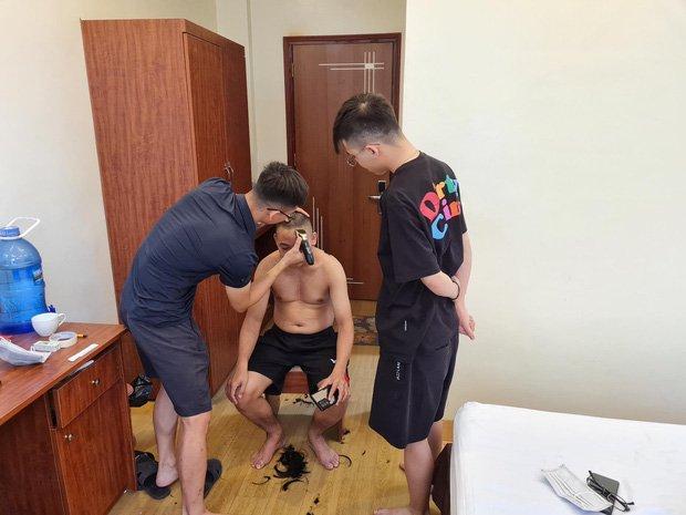 Bác chủ tịch trốn vợ đi vào tâm dịch Bắc Giang làm tài xế tình nguyện: Các con ở nhà động viên mẹ thay bố nhé!-8