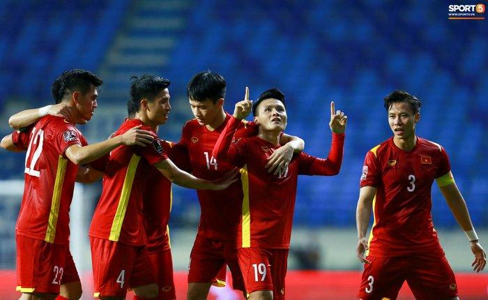 Công Phượng nổi giận vì bị đá xấu, cố kiềm chế không đánh cầu thủ Indonesia-11