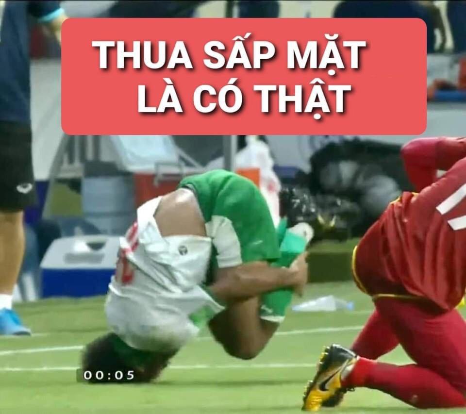 Mưa meme đổ xuống mạng xã hội sau trận thắng của tuyển Việt Nam, mời 500 anh em cười mệt nghỉ-4