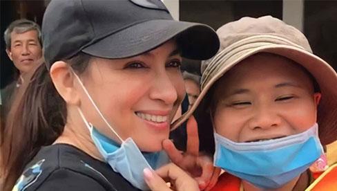 """Phi Nhung bị netizen soi lại điểm bất thường trong 2 đợt kêu gọi từ thiện miền Trung, """"ngâm"""" sao kê 1,8 tỷ suốt 5 năm chưa công khai?"""