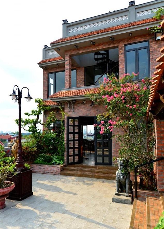 Nhà cổ nằm trên nóc biệt thự gần 500m2 ở Hà Nội-6
