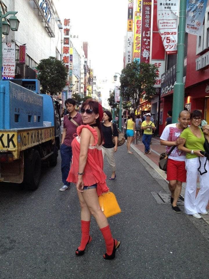 Phi Nhung bị đào mộ loạt ảnh ăn mặc thảm họa nhất ở Nhật-2