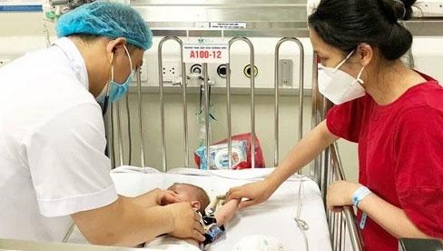 Bác sĩ Bệnh viện Nhi Trung ương hướng dẫn cách phòng bệnh cho trẻ mùa nắng nóng