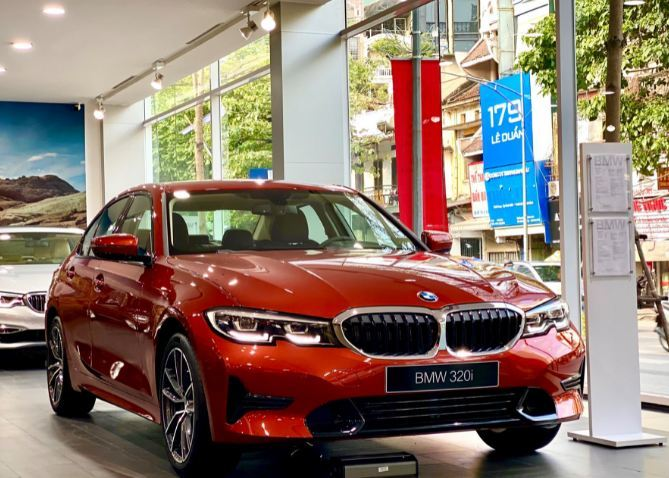 Giá ô tô tuần này: Đến lượt xe sang hạ giá 130 triệu đồng-1