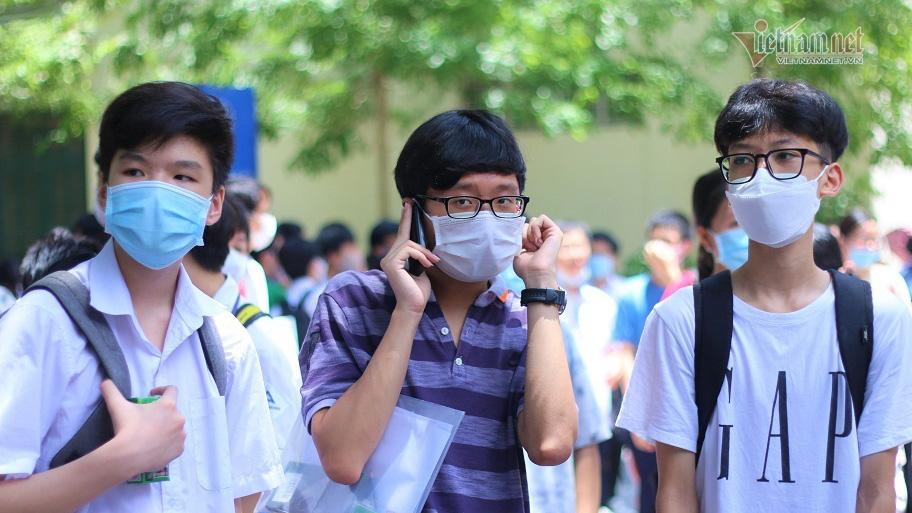 Sau khi biết điểm chuẩn vào lớp 10, học sinh Hà Nội cần làm gì?