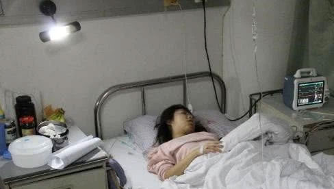 Bé gái 13 tuổi phát hiện ung thư :  2 thói quen tai hại mà rất nhiều người cũng mắc phải chính là lý do