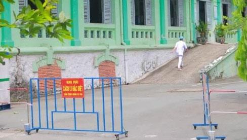 NÓNG: Bệnh viện Phạm Ngọc Thạch phát hiện 25 ca dương tính SARS-CoV-2 tại khu điều trị lao kháng thuốc và HIV