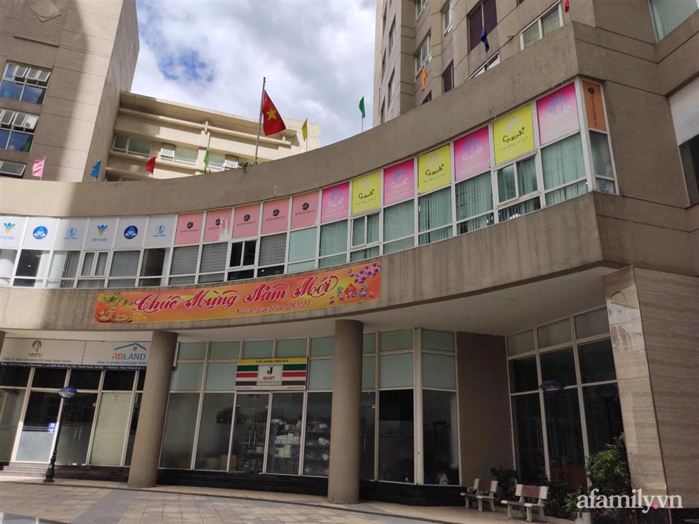 Vụ cháu bé rơi từ tầng 11 chung cư tử vong ở Hà Nội: Gia đình mới chuyển tới khoảng 1 tuần, khi xảy ra vụ việc không ai hay biết-3