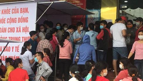 Hết hồn cảnh chen nhau đi test COVID-19 ở Biên Hòa