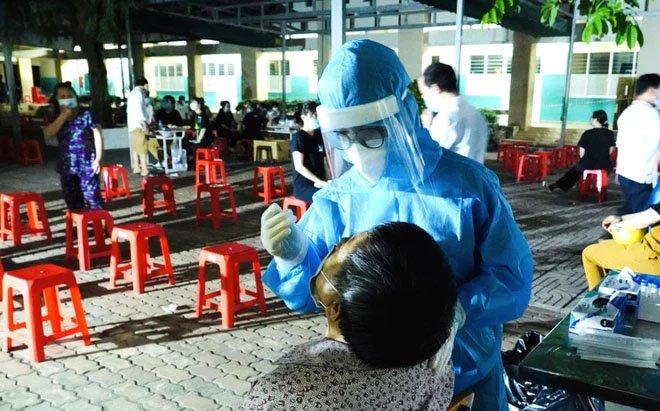 Hơn 300 sinh viên Hải Dương giúp TP.HCM chống dịch, Chủ tịch Q.Gò Vấp nói hết sức đáng trân quý-2