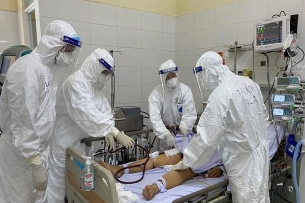Việt Nam có thêm 4 bệnh nhân COVID-19 tử vong-1