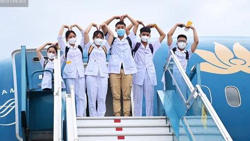 312 sinh viên Đại học Kỹ thuật y tế Hải Dương vẫn đang hỗ trợ chống dịch tại TP.HCM