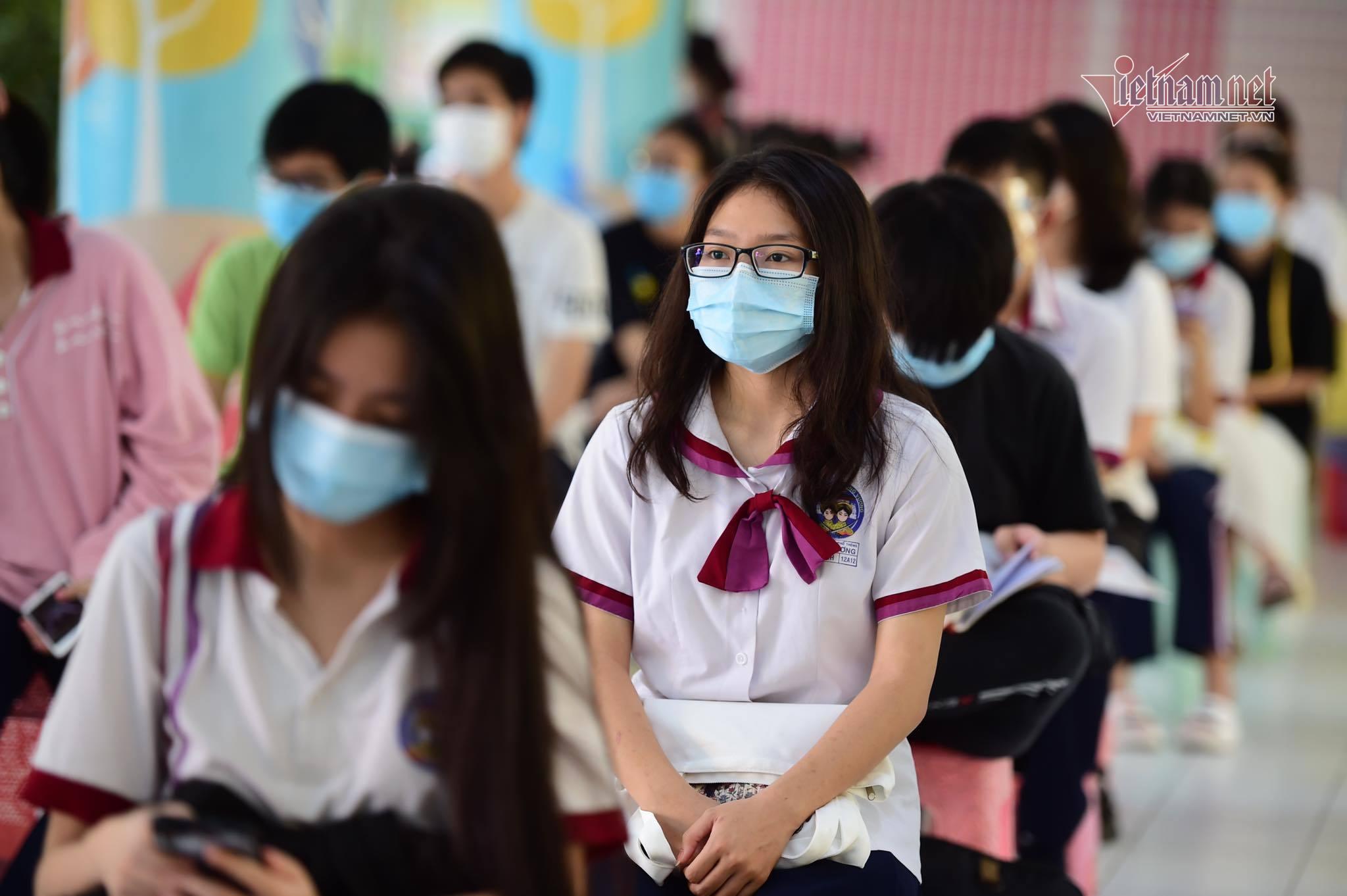 Nín thở tổ chức thi tốt nghiệp giữa bão dịch Covid-19-3