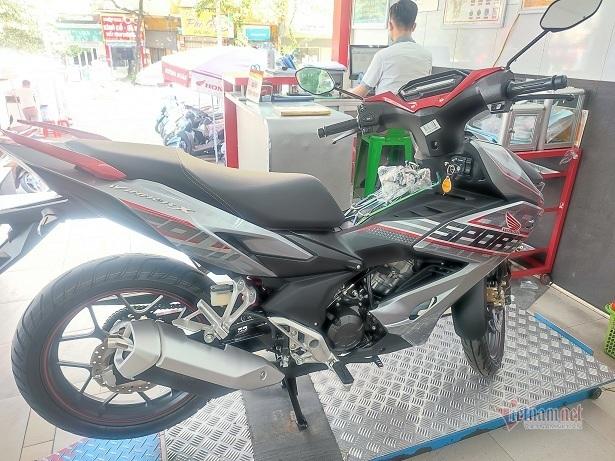 Ế ẩm do Covid-19, xe máy Honda SH, Vision giảm giá sốc đầu tháng 7-4