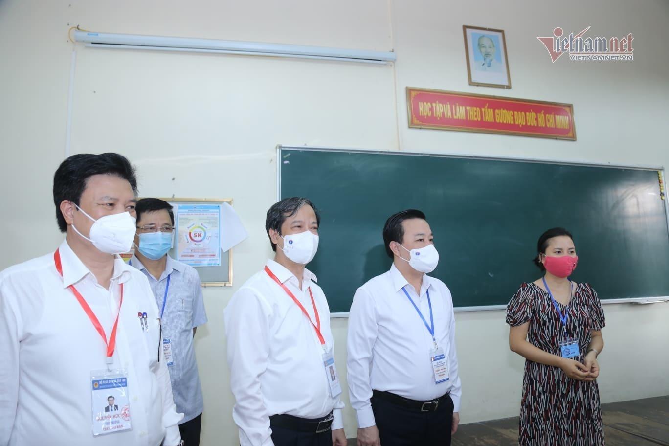 Bộ trưởng Nguyễn Kim Sơn chúc sĩ tử bình tĩnh, làm bài tốt-3