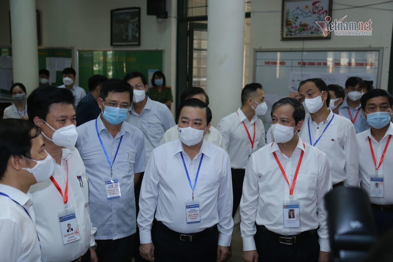 Bộ trưởng Nguyễn Kim Sơn chúc sĩ tử bình tĩnh, làm bài tốt-5