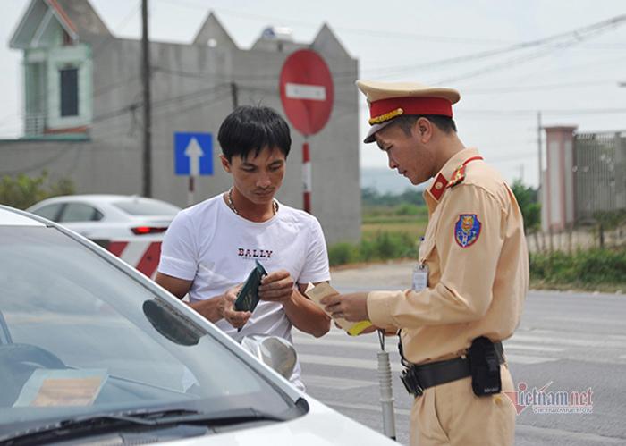 Quá hạn đăng kiểm, chủ xe và tài xế bị phạt nặng đến mức nào?-1