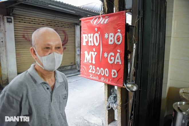 Quán phở mậu dịch hiếm hoi còn lại ở Hà Nội, ngày bán 2 tiếng đã hết hàng-2