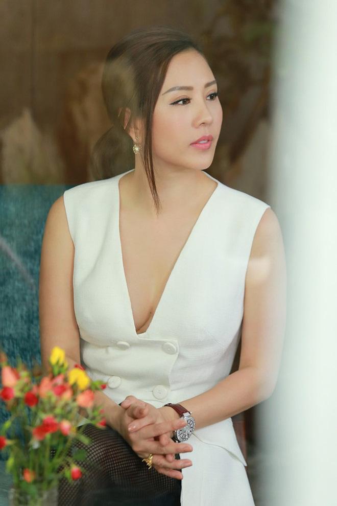 Vy Oanh tung bằng chứng tố Thu Hoài nói dối trắng trợn, làm cho ra nhẽ nghi vấn yêu sách trở mặt đòi cát-xê-10