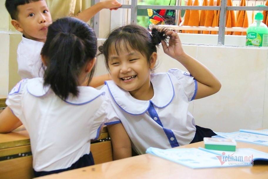 Gần 100.000 hồ sơ đăng ký vào lớp 1 trong ngày đầu Hà Nội tuyển sinh-1