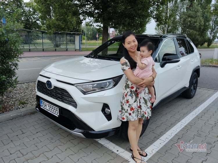 Nữ Việt kiều chỉ tốn 10 triệu tậu biển ngũ quý 5 cho Toyota RAV4-2