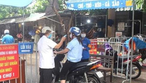 Từ hôm nay, Hà Nội cho phép người dân ra ngoài trong trường hợp nào?