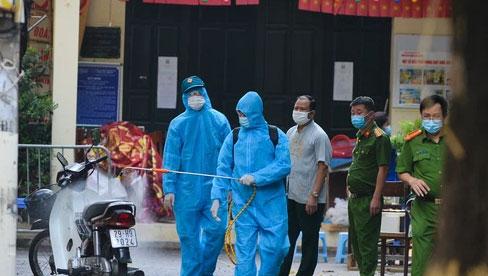 Hà Nội: Nhiều chuỗi lây nhiễm được phát hiện do người dân tự đi xét nghiệm, chuyên gia khuyến cáo những ai ho sốt, hãy chủ động đến cơ sở y tế