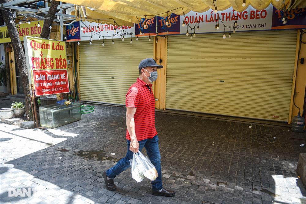 Cảnh cửa đóng then cài, đìu hiu ở phố ẩm thực không ngủ Hà Nội-11