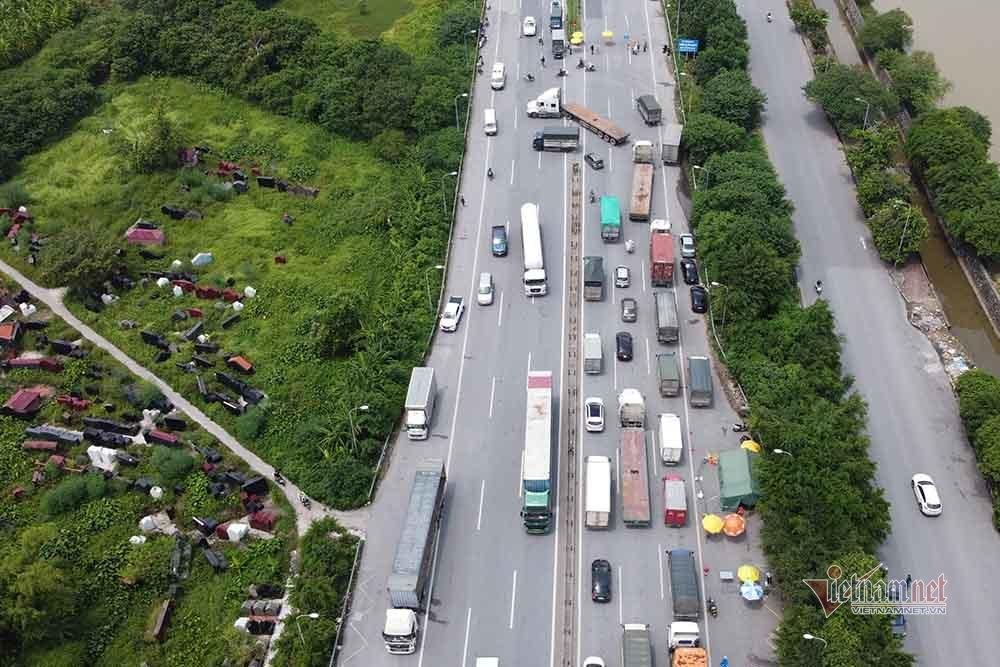 Hàng nghìn xe nối đuôi quay đầu, cầu Phù Đổng tắc dài nhiều km-3