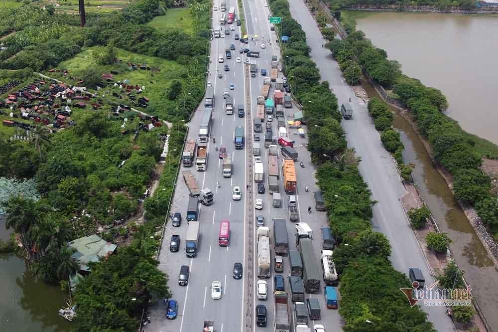 Hàng nghìn xe nối đuôi quay đầu, cầu Phù Đổng tắc dài nhiều km-4