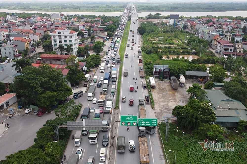 Hàng nghìn xe nối đuôi quay đầu, cầu Phù Đổng tắc dài nhiều km-7