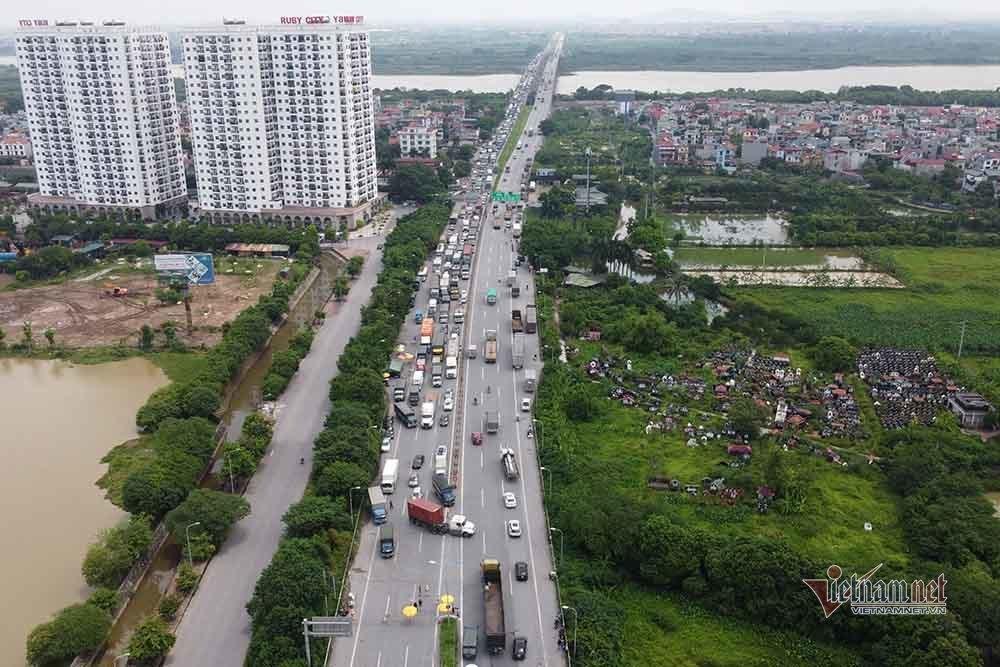 Hàng nghìn xe nối đuôi quay đầu, cầu Phù Đổng tắc dài nhiều km-6