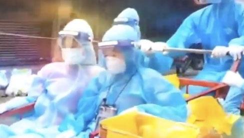 Cận cảnh xe ba gác tự chế của nhân viên y tế TP.HCM