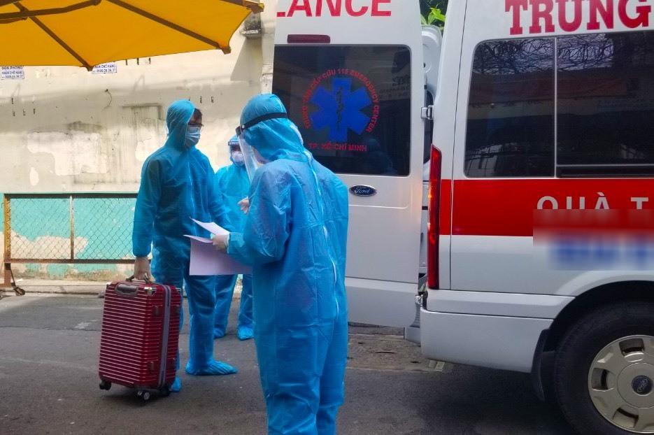 Cận cảnh xe ba gác tự chế của nhân viên y tế TP.HCM-5